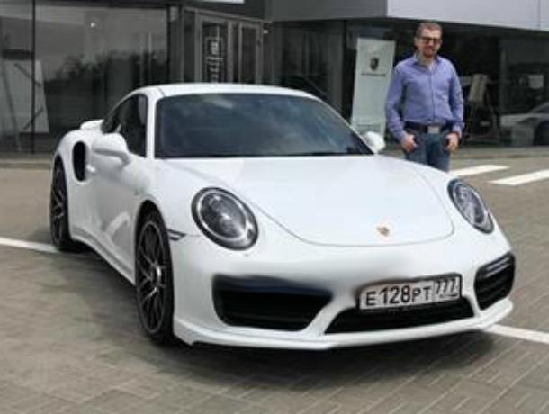 Новый автомобиль получил владелец разбитого Porsche за 13 миллионов