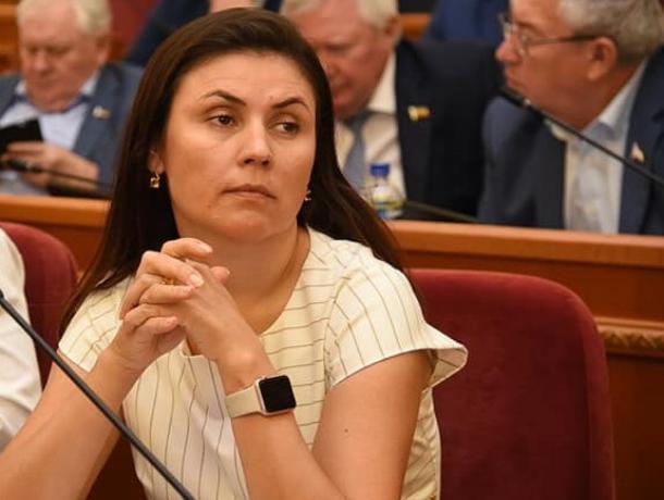 Советник ростовского губернатора живет с бизнесменом, получившим полмиллиарда на госконтрактах