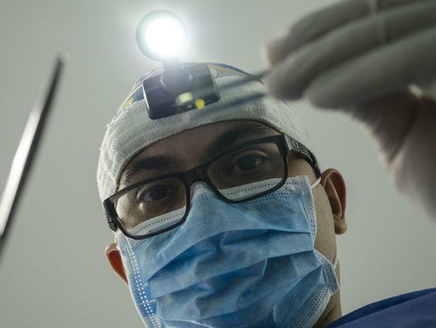 В Ростове врач за деньги превращал здоровых пациентов в инвалидов