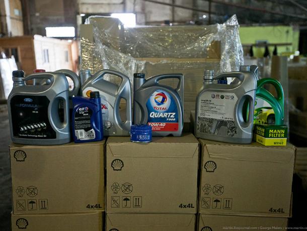 Шесть тонн контрафактного моторного масла обнаружили на частном складе Ростова