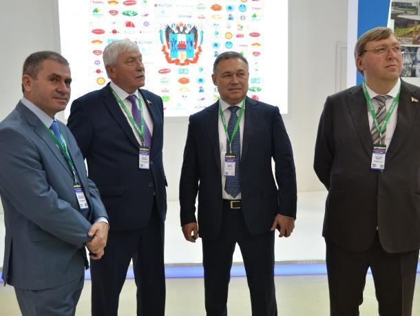 Ростовский министр сельского хозяйства на выставке в Москве скрыл провальные цифры по отрасли
