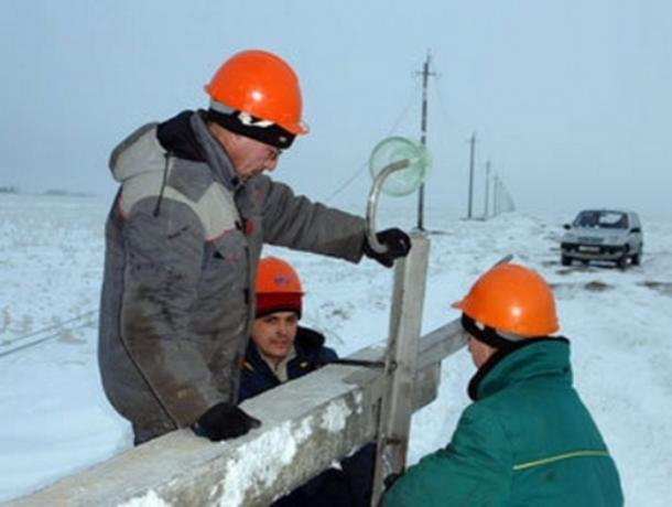 Более 200 тысяч человек остались без электричества из-за урагана в Ростовской области и на юге России