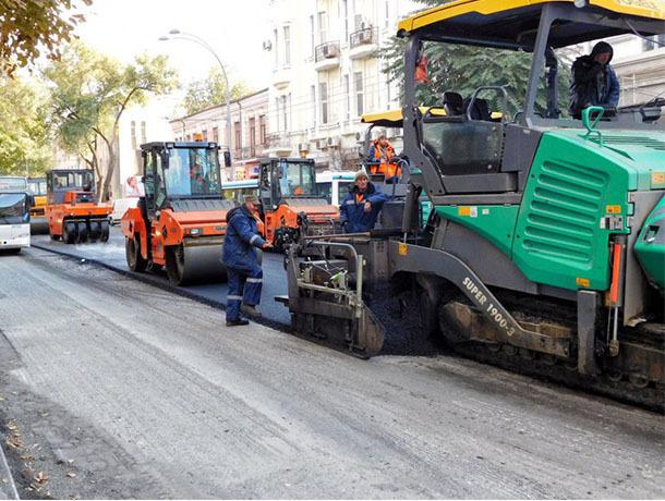 Министр транспорта Максим Соколов пообещал Ростовской области 1 млрд. руб. надороги