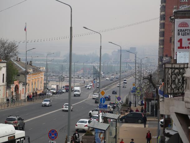 Плановый поджог камыша окутал Ростов дымом