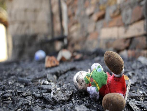 В страшном пожаре сгорели заживо мама с двухлетней малышкой под Ростовом