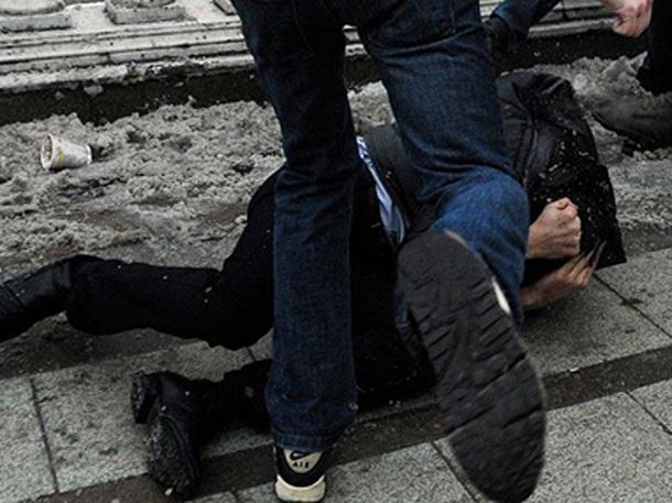 Несовершеннолетний юноша с другом жестоко избили и задушили мужчину в Ростовской области