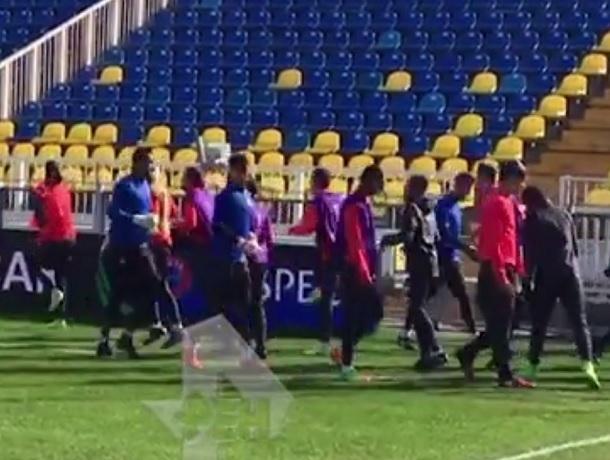Секретную тренировку «МЮ» на шокировавшем Моуриньо поле «Ростова» сняли на видео
