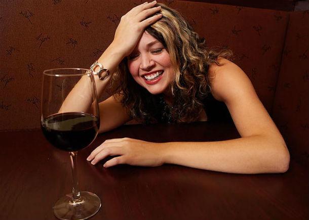Пьяная женщина сказала озаминировании целой улицы вАксае