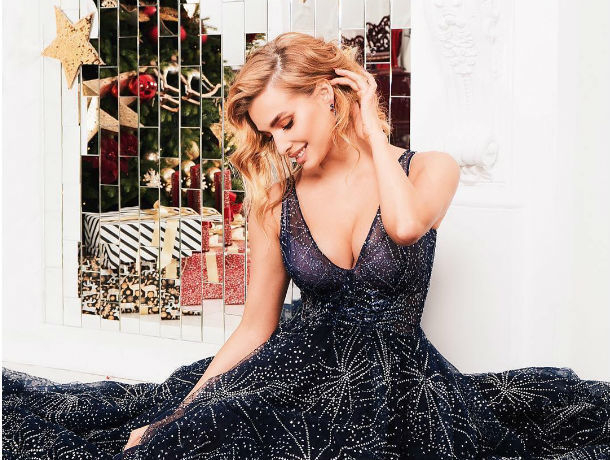 Красавица-ростовчанка Татьяна Котова поздравила своих поклонников новогодним хитом