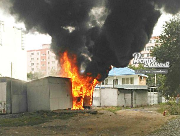 «Лисички» разожгли адское пламя, в котором до углей сгорел магазин на рынке Ростова