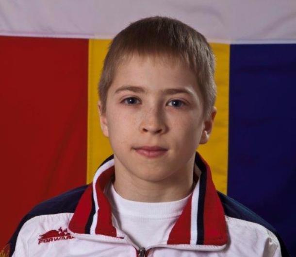 Молодой ростовчанин взял серебро напервенстве РФ поспортивной гимнастике