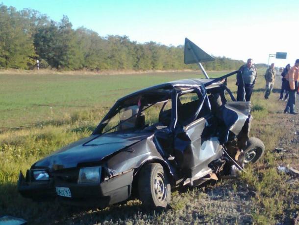 Три человека пострадали вмассовом ДТП вРостовской области