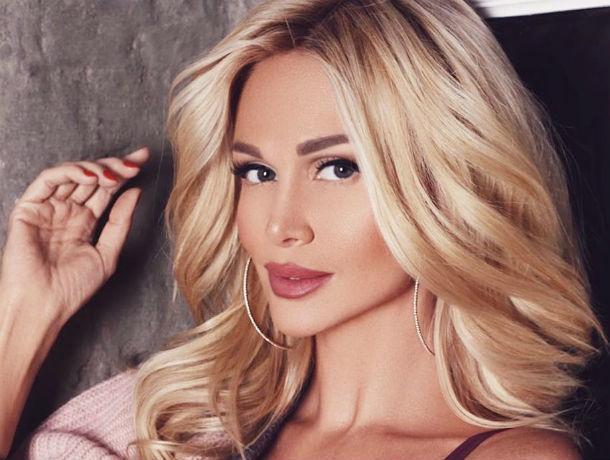 Ростовская телеведущая и модель Виктория Лопырева родила первенца