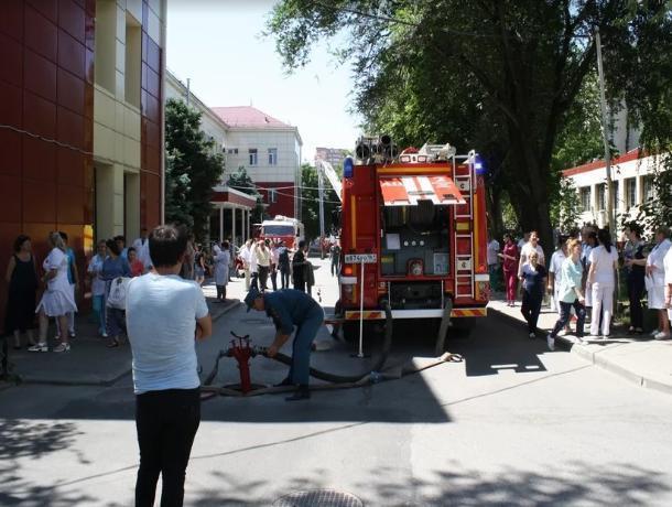 В Ростовской больнице провели масштабные пожарные учения
