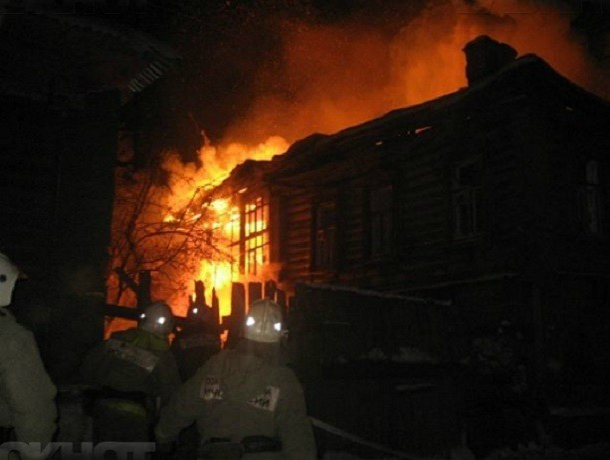 Мужчина сгорел заживо вместе со своим одноэтажным домом в Ростовской области