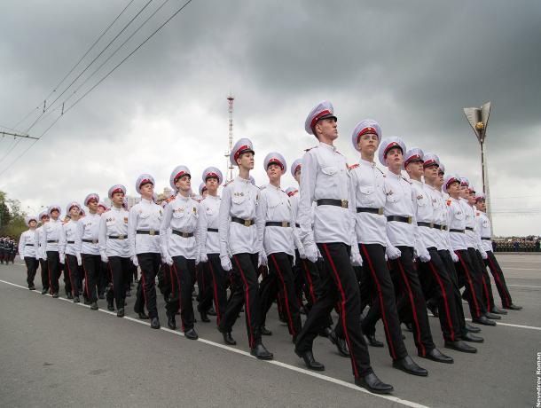 По Театральной площади в Ростове в День Победы пройдут три тысячи человек