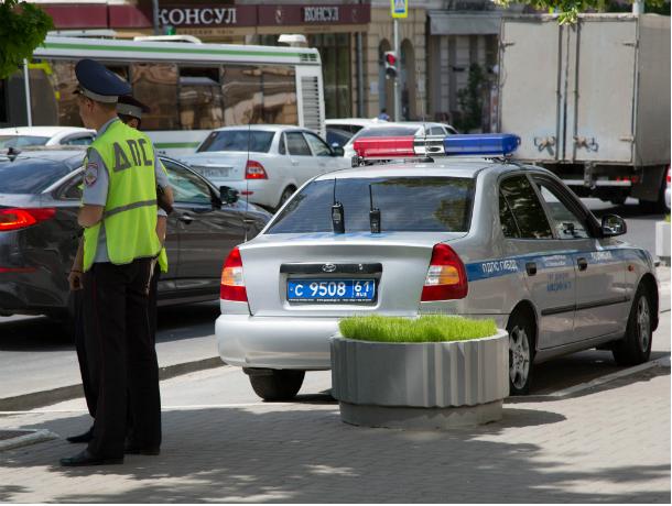 Шофёр легковушки умер после столкновения с грузовым автомобилем под Ростовом