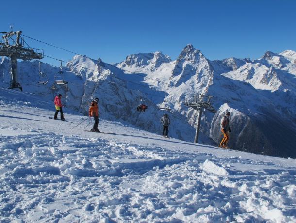 Туристам временно запретили подъем наЛаго-Наки из-за лавин