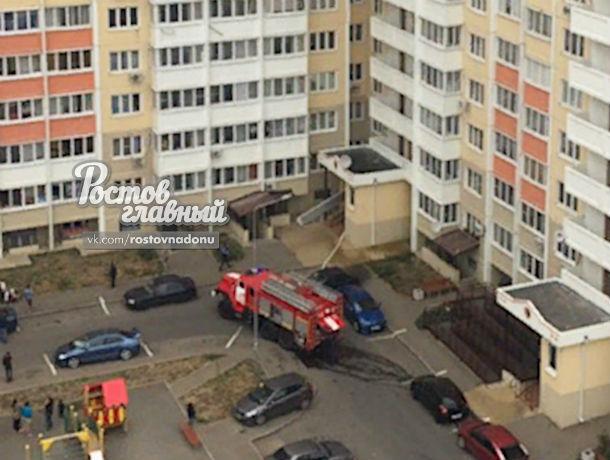 Адское пламя в шахте лифта заблокировало в квартирах многоэтажки многих жителей в Ростове