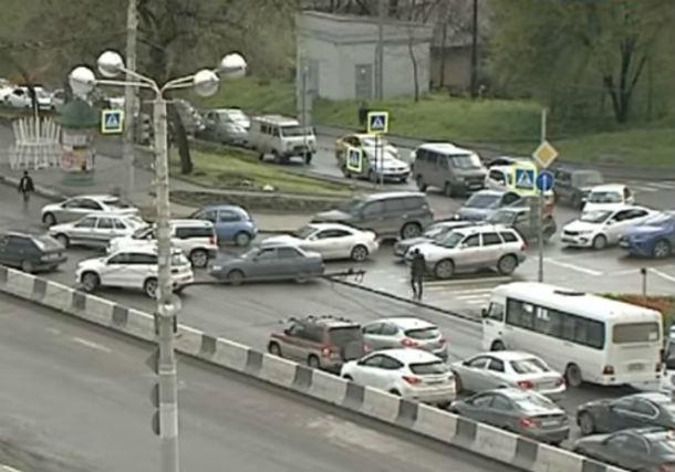 Дорожники объявили о масштабных работах на проспекте Стачки и вызвали гнев горожан