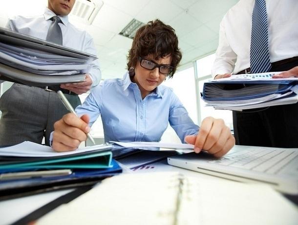 Треть кузбассовцев часто задерживается наработе больше положенного времени— Опрос