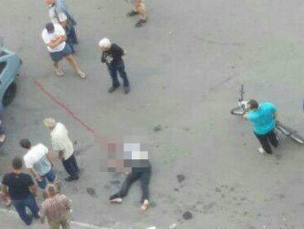 Ростовчанин на«девятке» насмерть сбил пешехода, врезалась вприпаркованный автомобиль идерево