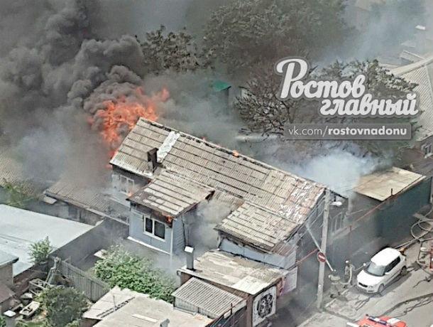 В Ростове в районе моста на Сиверса сгорел частный дом
