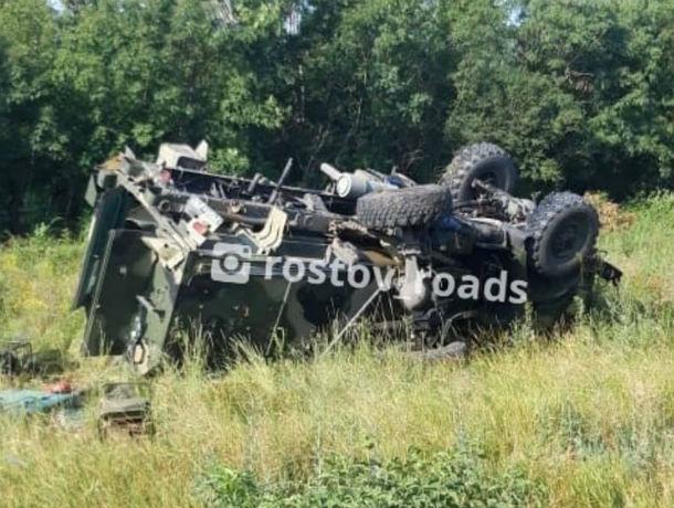 В Ростовской области военный грузовик слетел с трассы