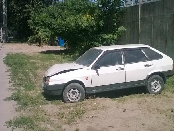«Потерялась и плачет»: владельца побитой «Лады» просят забрать ее домой в Ростове