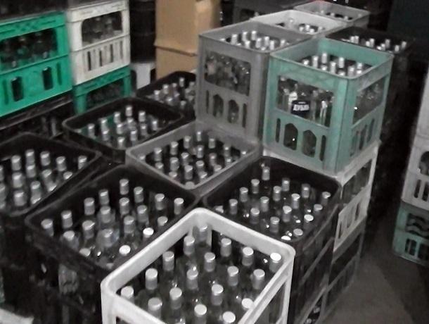 Страшную купотреблению водку продавали супруги изЗернограда