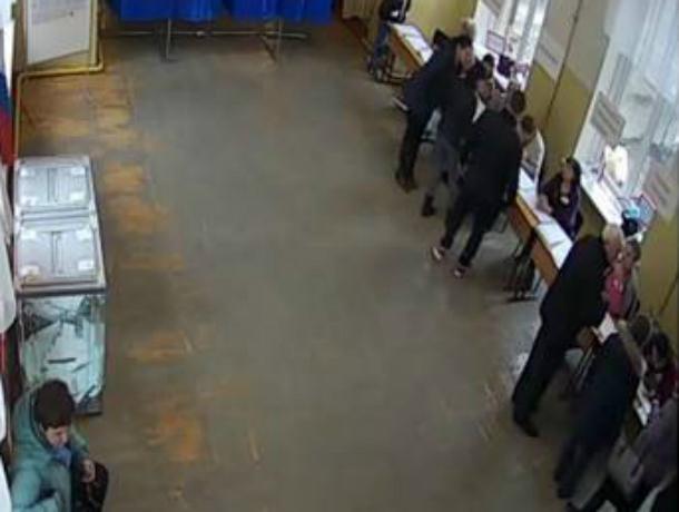 Женщина пришла голосовать и умерла на избирательном участке в Ростовской области