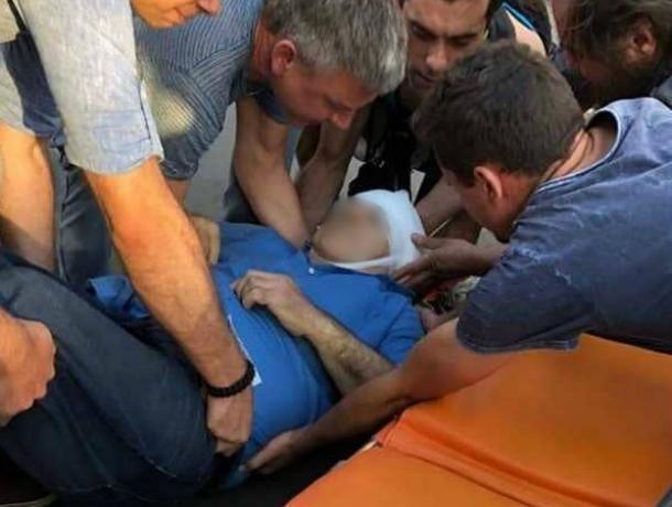 Переходивший дорогу в паре метров от «зебры» мужчина пострадал под колесами иномарки в Ростове