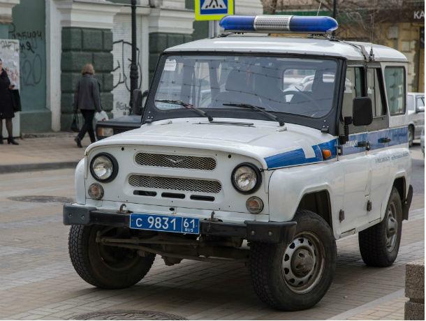 Душевнобольной мужчина бросал петарды под ноги прохожим в Ростовской области