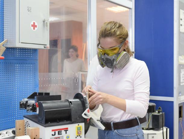 Ростовские студенты придумали уникальную установку для разделки колбас и чайный аппарат