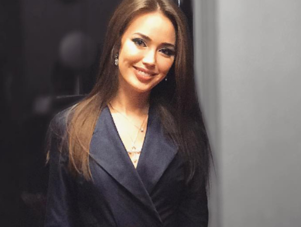 Ростовчанка Анастасия Костенко похвасталась дорогущим подарком от неопределившегося Тарасова