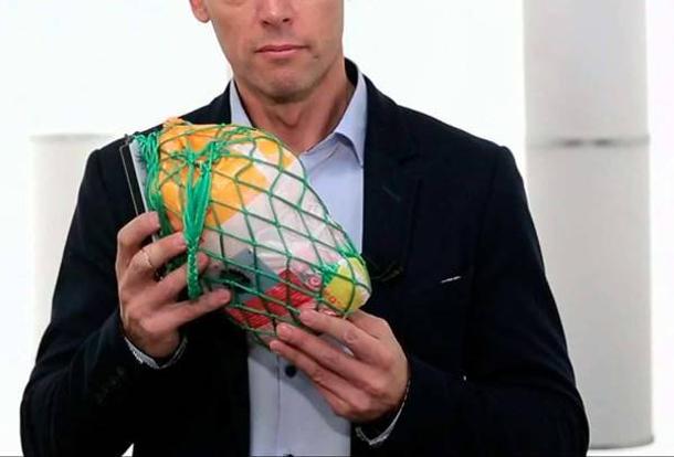 Ростовчанин допотери сознания избил возлюбленную замороженной курицей