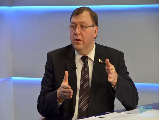 Глава заксобрания Ростовской области назвал слухами возможный уход Скрябина или Ревенко в мэрию