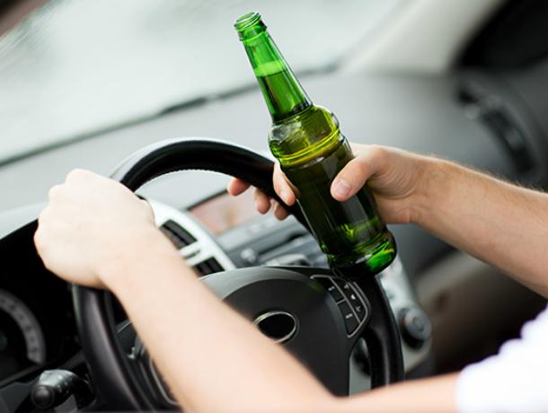 Злостного алкоголика за рулем иномарки схватили в Волгодонске