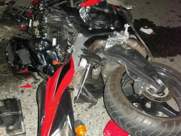 Неуступчивый Volkswagen снес байкера и отправил его в больницу в Ростовской области