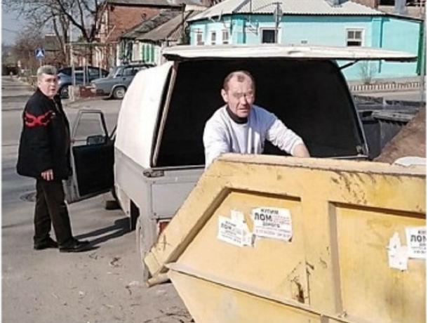 В Ростове сотрудники экоконтроля предотвратили выброс ртутной лампы в контейнер для мусора