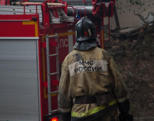 В Шахтах пожар в частном доме унес жизнь мужчины