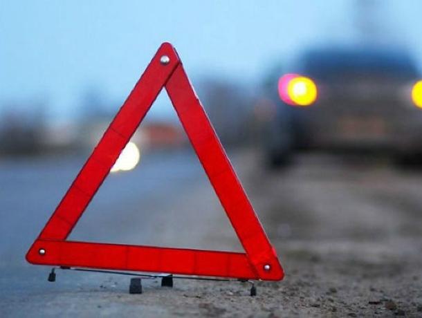33-летняя женщина погибла под колесами фуры вРостовской области
