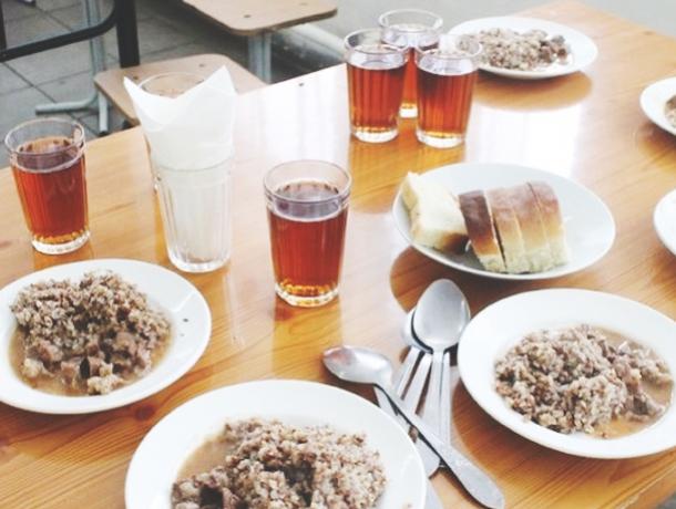 Роспотребнадзор хочет запретить приносить домашнюю еду в школы