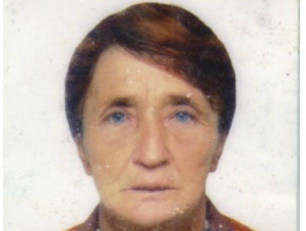 Пожилую женщину сдеформированными пальцами рук ищут вРостовской области