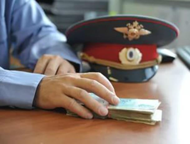 Полицейский вРостове-на-Дону приговорен кколонии пообвинению вмошенничестве