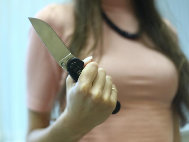 Спасая малолетнего ребенка, женщина зарезала своего агрессивного сожителя в Ростове