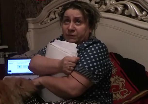Впроцессе конфликта сдамой-приставом ростовчанка сломала ногу ипорвала шубу