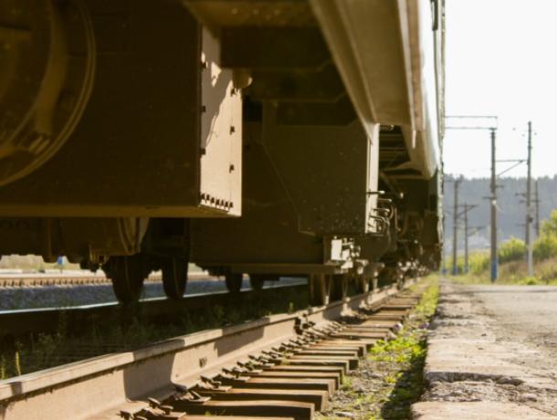 Женщину-ревизора регионального центра РЖД сбил грузовой поезд в Ростове