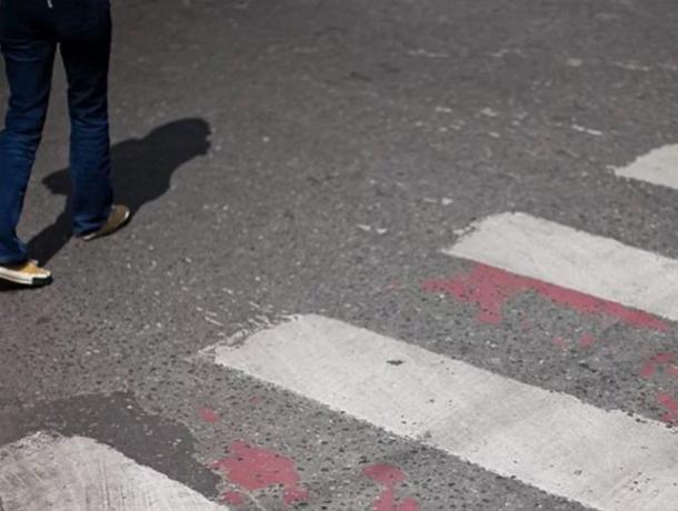 Автоледи на ВАЗе снесла переходившую дорогу по «зебре» девушку в Ростовской области