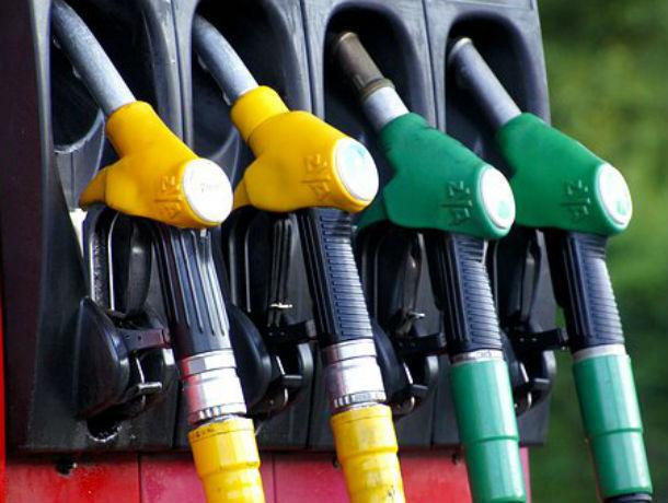 Цена на бензин бросает в жар: дизельное топливо продолжает дорожать в Ростове